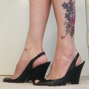 Women's Bandolino Black Peep-Toe Shoe - Size 9